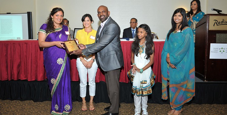The 2013 essay competition winner was Mira Ragunathan of Germany.