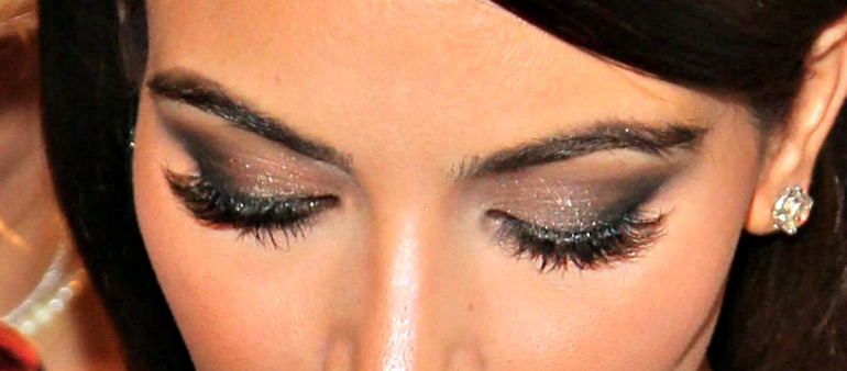 this-picture-will-make-copying-kim-kardashians-smoky-eye-makeup-a-lot-easier2